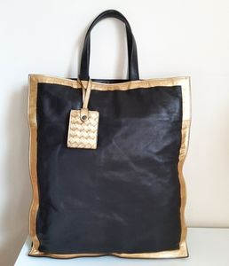 Bottega Veneta Smooth Leather Shopping Bag